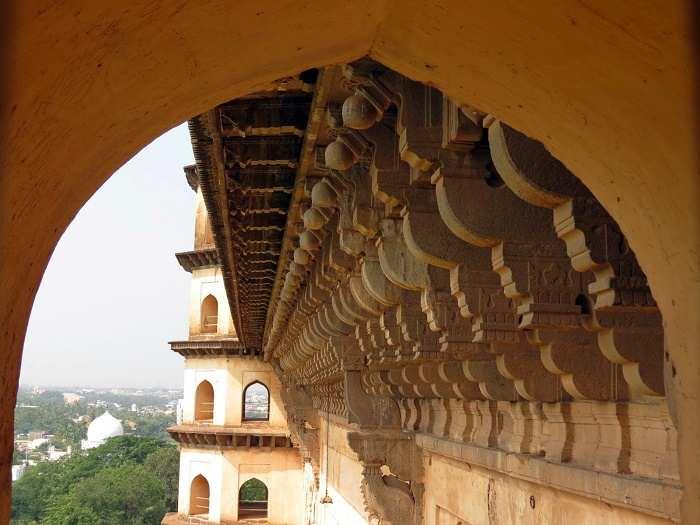 gol gumbaz bijapur history architecture facts visit timing