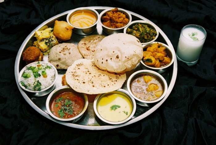 Traditional gujarati food cuisine gujarati food forumfinder Images