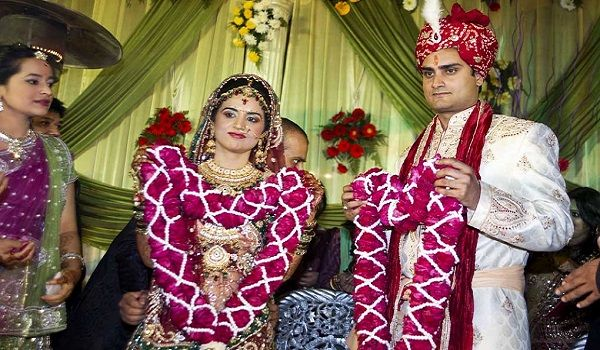 Gujarati Wedding - Traditions, Dress, Pre & Post Wedding Rituals