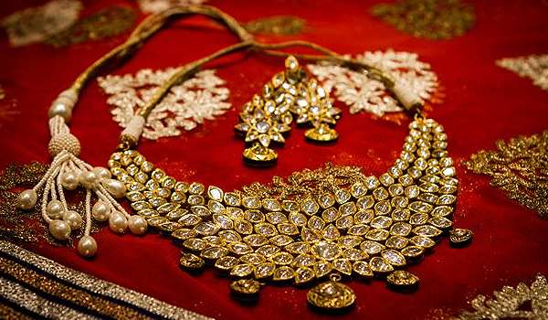 Image Credit Http Weddingsutra Com Blog Index Php Tag Sarees The Traditional Jewelry Of India