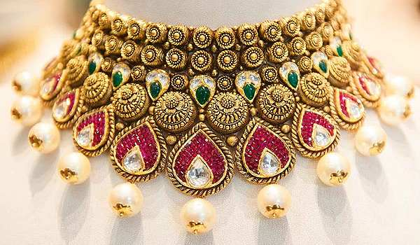The Best Part About Contemporary Indian Market Is Its Beautiful Blend Of Traditional And Modern Jewelry Available In Both Gold Silver Metals