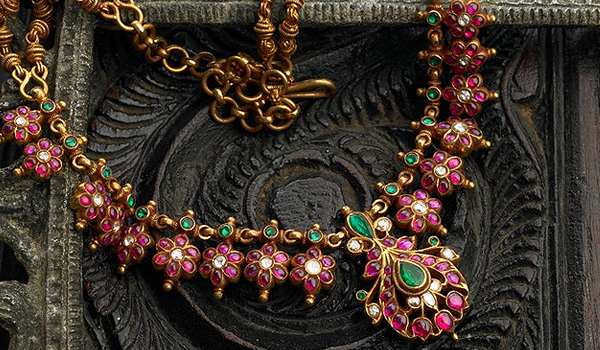 The Attractiveness of Antique Jewelry