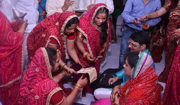 The Groom Is Only Man Who Allowed To Participate In Womens Celebrations Similarly Men Arrange Their Own Where Women Are Strictly