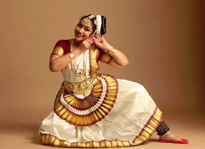 775e2bf67 Mohiniattam Dance – History, Repertoire, Costumes & Exponents