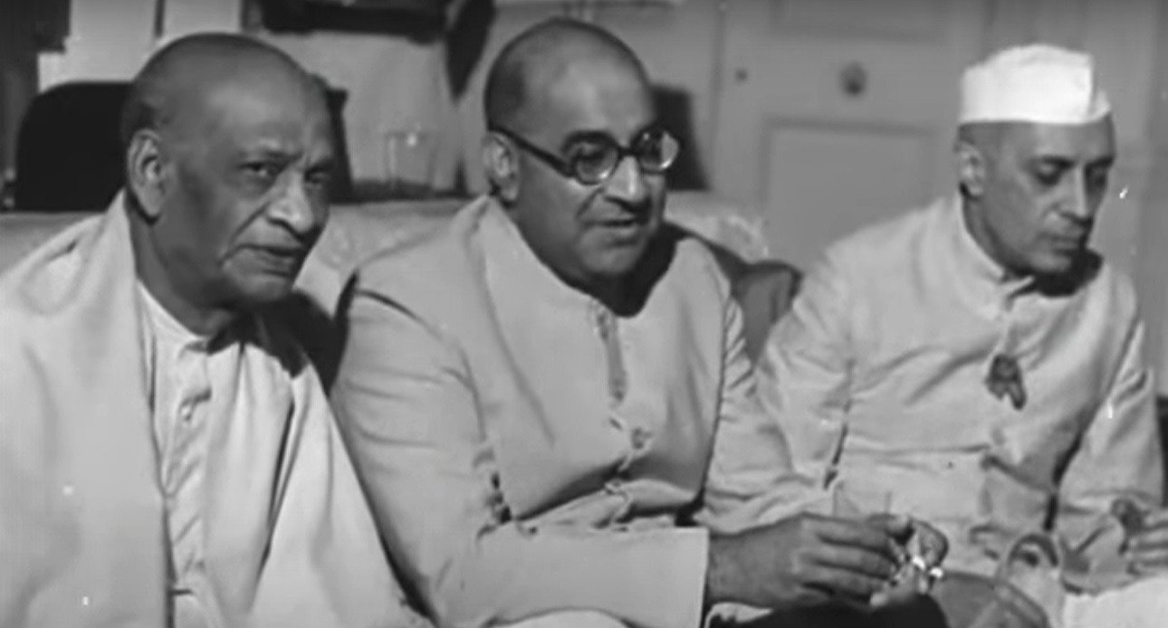 Short biography of sardar vallabhbhai patel
