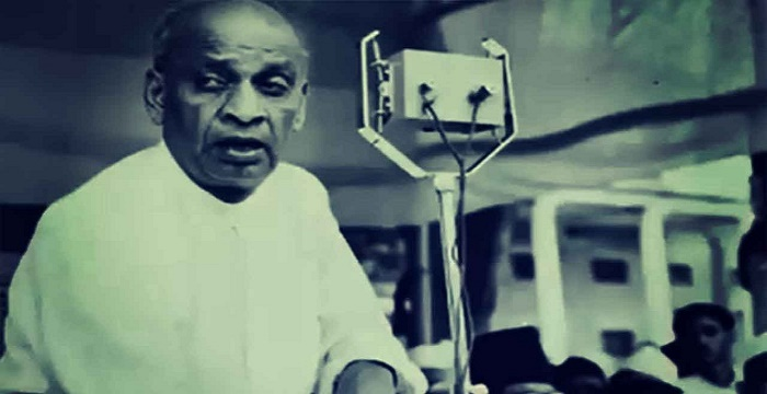 """the life of sardar patel the iron man of india India's first home minister and also the first deputy prime minister, sardar vallabhbhai patel died today 67 years ago, at the age of 75 known as the """"iron man."""