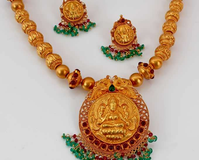 Indian Temple Jewelry – Types & Designs