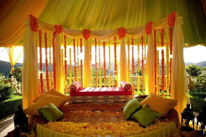 Decoration is an integral part of any Indian wedding. Be it the stage