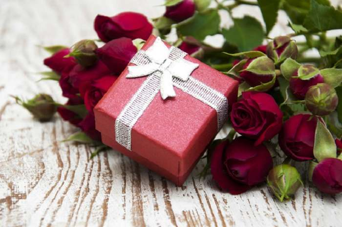 Wedding Gift Ideas For A Couple : Wedding Gifts