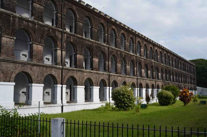 Atlantic City Police Department HOME PAGE - Atlantic City Cellular jail photo gallery