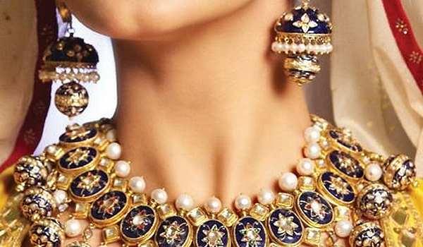Artistic Sense Of Handmade Jewelry