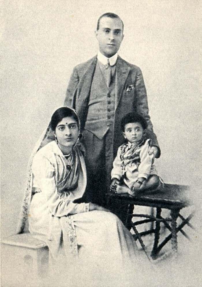 short note on jawaharlal nehru in english