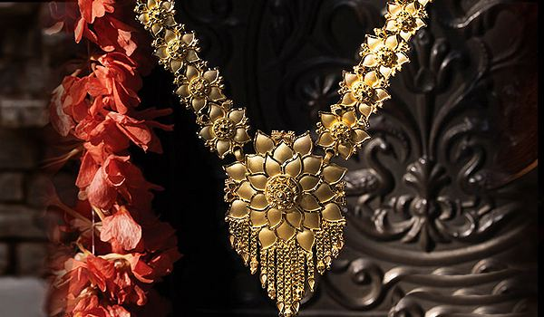 Popularity of Indian Jewelry- Traditional and Contemporary Designs